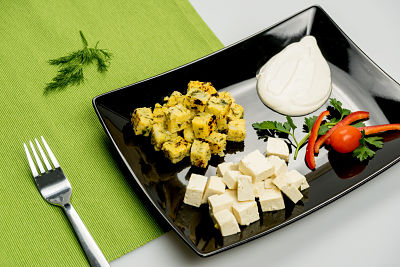 Mamaliga-cu-tofu-si-smantana-din-caju